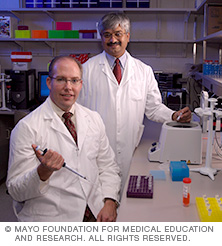 Photo of two Mayo cardiology researchers in a laboratory