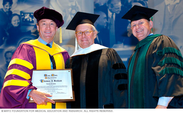 Photo of 2013 Honorary Degree Recipient Thomas J. Brokaw, with John H. Noseworthy, M.D., and Mark A. Warner, M.D.