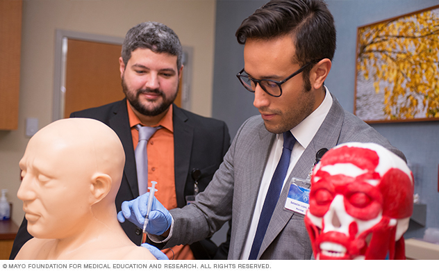 Mayo Clinic Adult Neurology residents practicing injection technique