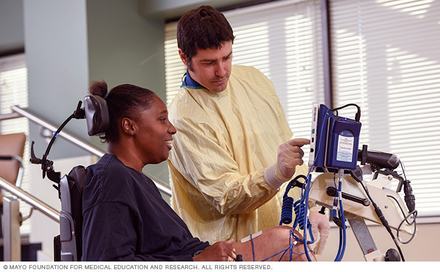 Mayo Clinic physical therapist working with a patient