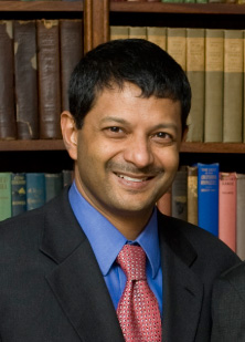 Photograph of S. Vincent Rajkumar, M.D., a hematologist-oncologist at the Mayo Clinic Cancer Center