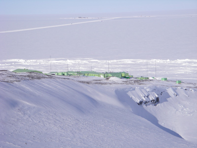 2006 Study Updates/Photos - View of Scott Base